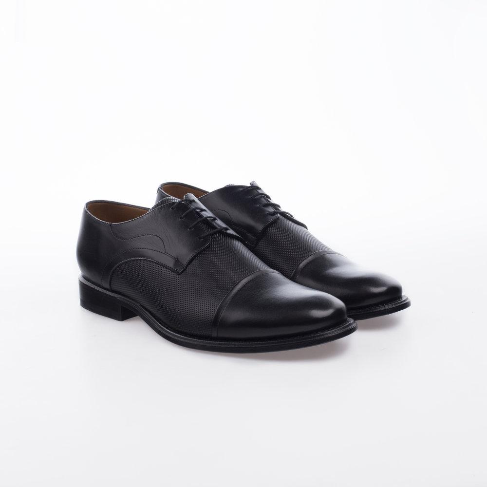 1600 Negro $1,399 MX Zapato Derby, Combinación de texturas, Perforado y liso, Puntera Recta.