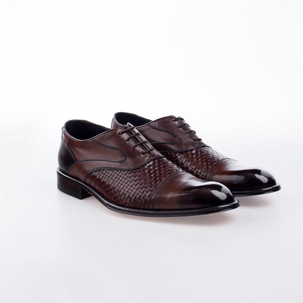 5040 $2,299 MX Zapato Oxford, con trenzado natural, entintado a mano.