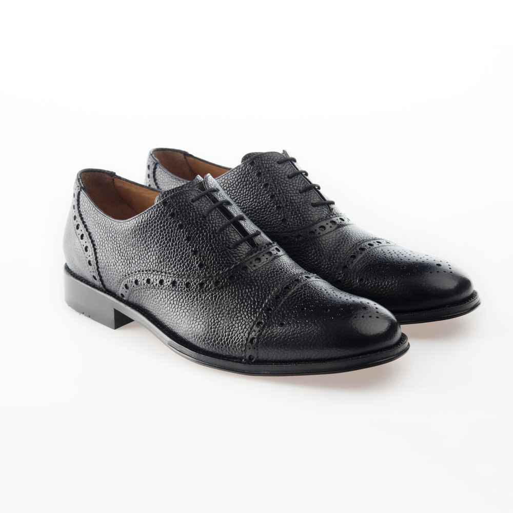 9148 Negro $1,499 MX Zapato Oxford, puntera recta perforada, piel Grain Calf