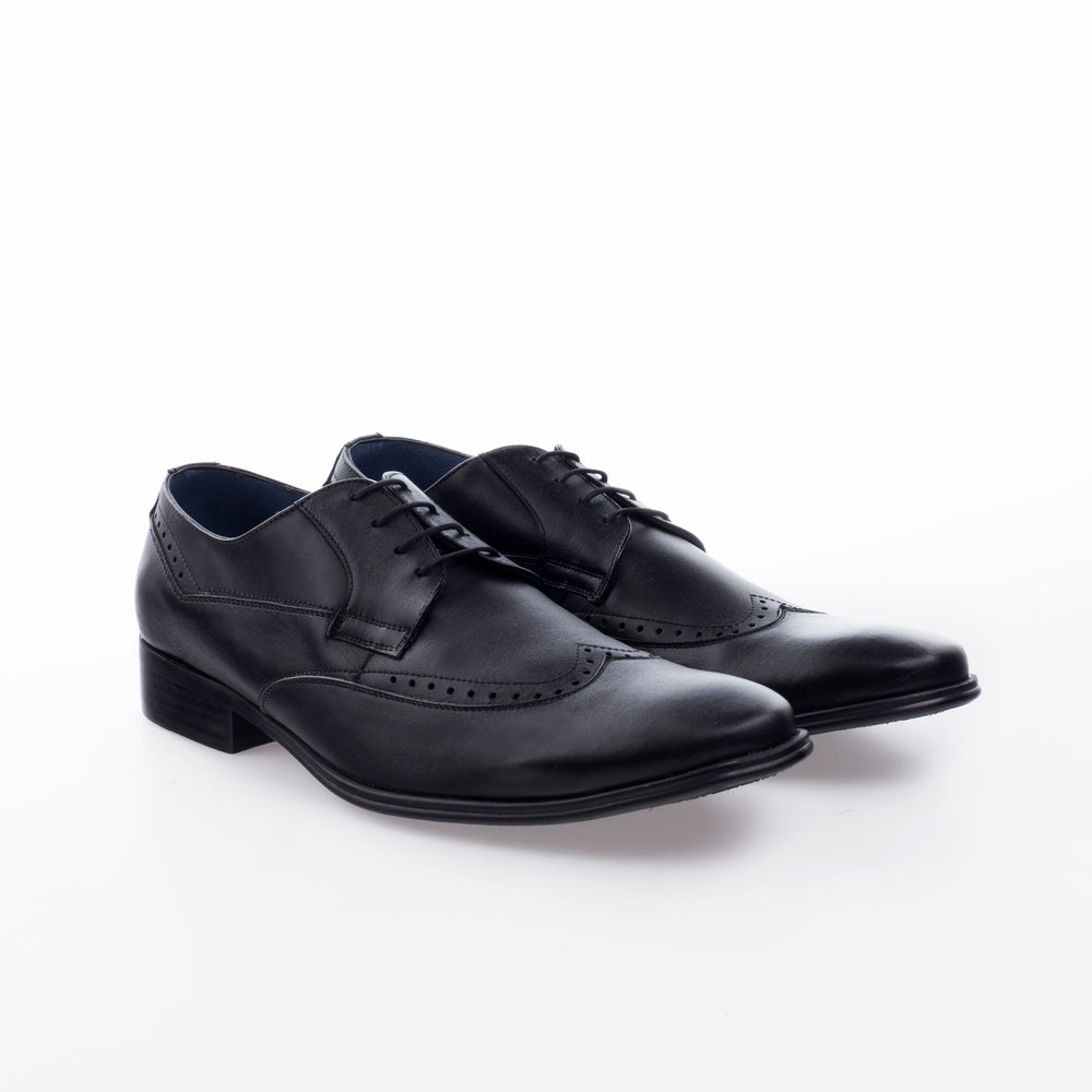 9337 Negro $999 MX Zapato Derby puntera ala perforada.