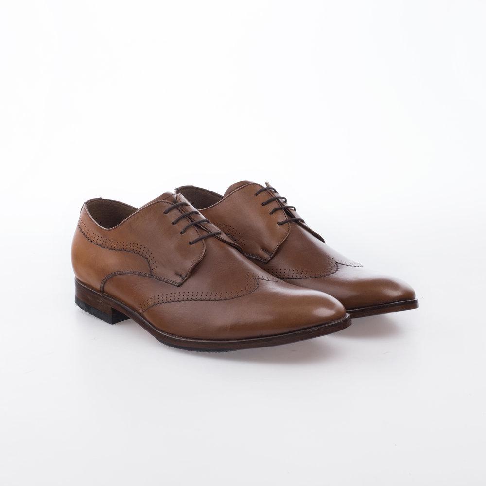 8202 Shedron $1,199 MX Zapato Derby con detalle de costura en ala.