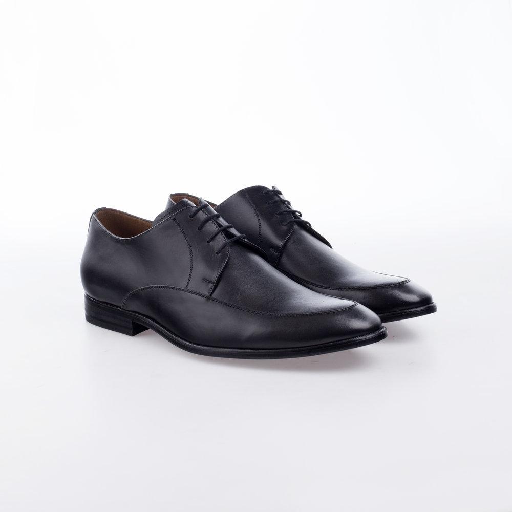 8215 Negro  $1,199 MX  Zapato Derby.