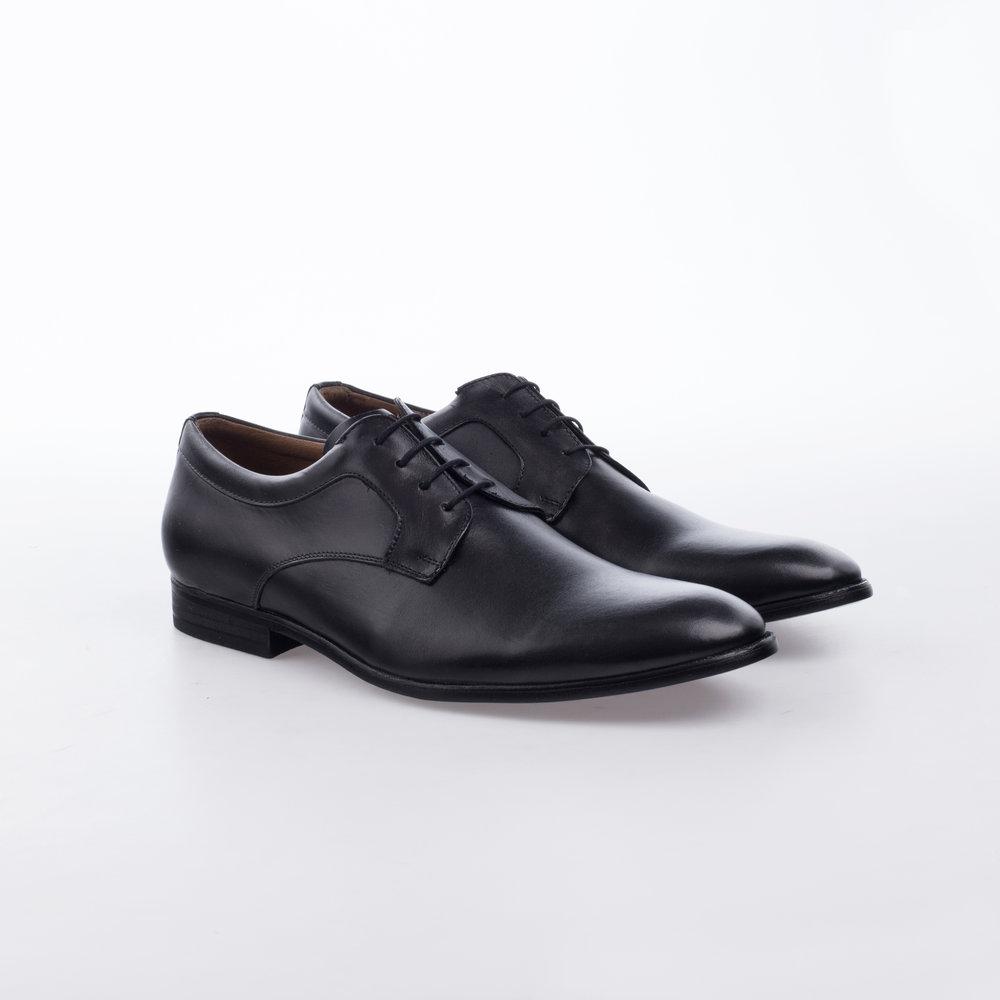 8214 Negro $1,199 MX Zapato Derby liso con bullon en tobillo.