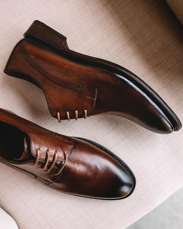 Siempre el mejor accesorio de un hombre serán sus zapatos e inteligencia.   duquedemexico   614b50fa5d36