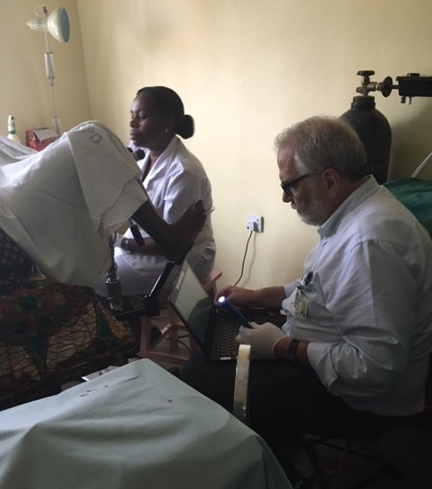Dr. John Schmitt brings the Pocket colposcope to Tanzania (Aug. 2016)
