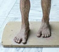 """Lucy feet - """"human-like"""""""