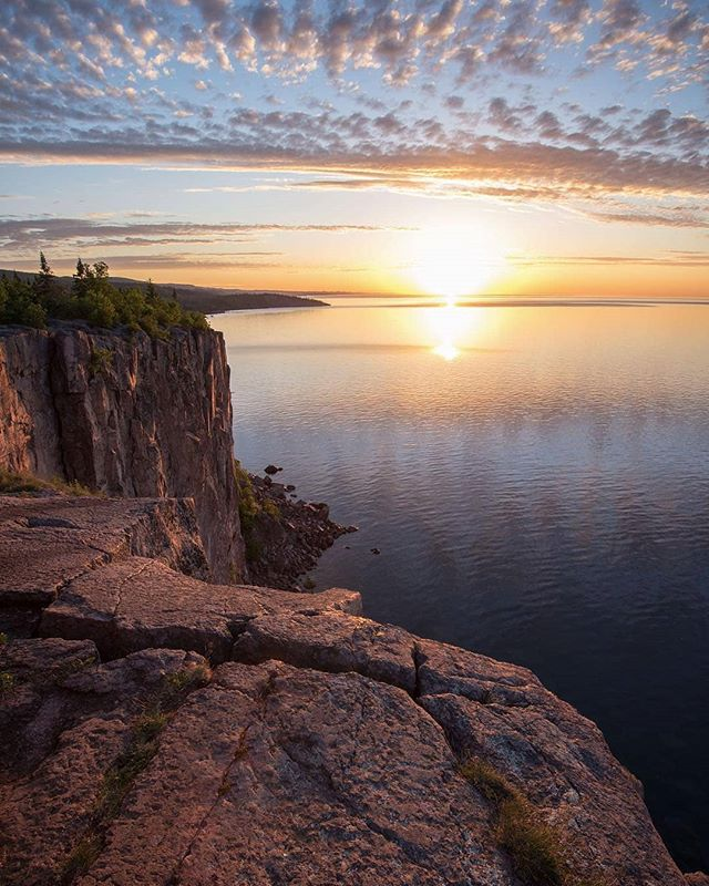 Amazingness from @ben_r_cooper -  #Sunrise at #PalisadeHead last Thursday. What an incredible place to watch the sun come up! I've been wanting to shoot sunrise here for a while. . . . AmazingTravelBeauty✦ ✪ A M A Z I N G T R A V E L B E A U T Y - BY @ben_r_cooper ✪ #ATB_ben_r_cooper ✪ Selected by @waynemoranmn ✦ C O N G R A T U L A T I O N S 🏆 ✦ Date: 6. 26. 18 ✦  Tag your best shots to ☛ #AmazingTravelBeauty ✦ ☛ Stop by the artist's feed for more wonderful pics. ֹ Enjoy more beautiful photos by visiting our friends's pages. ☛ @michaeldockhamphoto ☛ @tangotraci ☛ @travel.birdy_global ☛ @flyfreewildbyrd ☛ @abbyventure ☛ @geek_grl ☛ @beyondphotography_with_ash ☛ @betsyarmour ☛ @socialmediamax  meet our whole team at: https://www.amazingtravelbeauty.com/about/ . . .  #onlyinmn #exploreminnesota #minnstagramers #lakeshorelife #minnesota_captures #yourshotphotographer  #captureminnesota  #travelblogging #mindthemountains  #optoutside