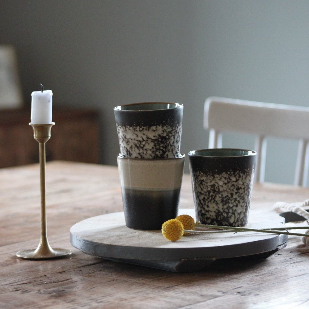 Die Tassen von hk living gibt es in verschiedenen Mustern und Farben. Sie ist von der Grösse her perfekt für ein Café Crème.      erhältlich bei  Interio  Preis 9.90 CHF