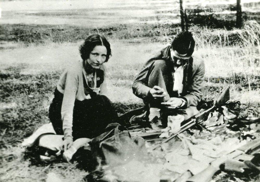 Bonnie and Clyde on the run.jpg