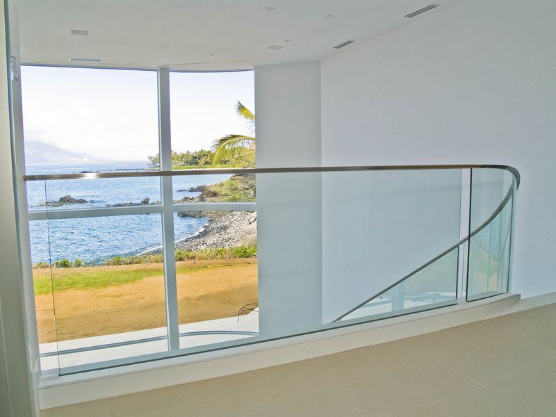 MAUI WATERFRONT RESIDENCE -