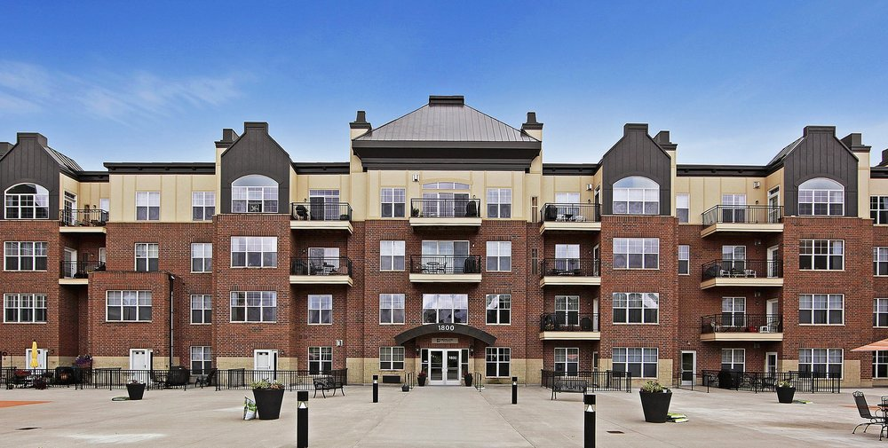 1800 Graham Ave #324 Saint Paul, MN 55116 -