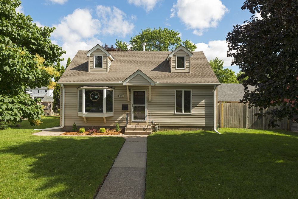 2005 Thure Avenue     Saint Paul, MN 55116     -