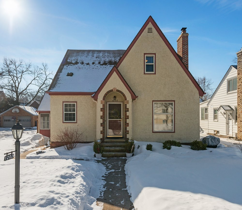 1202 Niles Avenue       Saint Paul, MN 55116 -