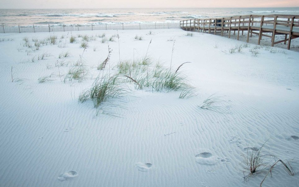 Spanning the southeastern coast of Mississippi and into the panhandle of Florida, the Gulf Island National Seashore encompasses both parts of the mainland as well as the islands.