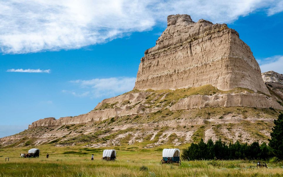 While this is true for much of the state, some magnificent and noteworthy places such as Scott's Bluff National Monument do exist. Reaching over 800 feet above the North Platte River at its highest point, the Bluff is an important and magnificent monument along the 19th-century Oregon and Mormon trails.