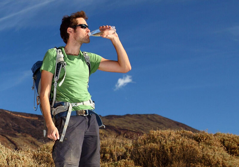 ◆ Carry sufficient bottle water or in collapsible water sacks. ◆ Consider extra water due to heat, cold, altitude, exertion, or emergency. ◆ For natural water sources, a water purifier is useful.