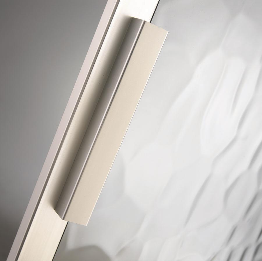 Finger tip handle