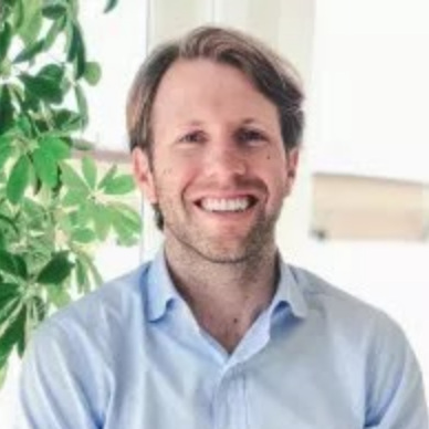 Clay Dumas   Clay is the Chief of Staff and a partner at Lowercase Capital where he works to support our venture portfolio, as well as invest in startups to reboot our democracy, suck carbon out of the atmosphere, cool the planet, and reform our criminal justice system. Clay serves on the board of Tala, a Lowercase portfolio company building a world where people everywhere have financial access, choice, and control. Before joining Lowercase, Clay served as an Executive in Residence at the Pramana Collective, a strategic advisory firm in San Francisco. Previously, he was the Chief of Staff for the White House Office of Digital Strategy, a team tasked by President Obama with connecting people with purpose. In 2017, he was named to the Forbes 30 Under 30 list. At the start of President Obama's second term, he served as an aide in the Chief of Staff's office. Before joining the White House, Clay worked on President Obama's 2008 and 2012 campaigns. He graduated from Harvard in 2011.