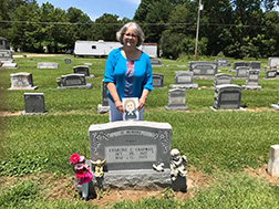 Flat John visited Oak Grove Louisiana with me to visit my mom's grave