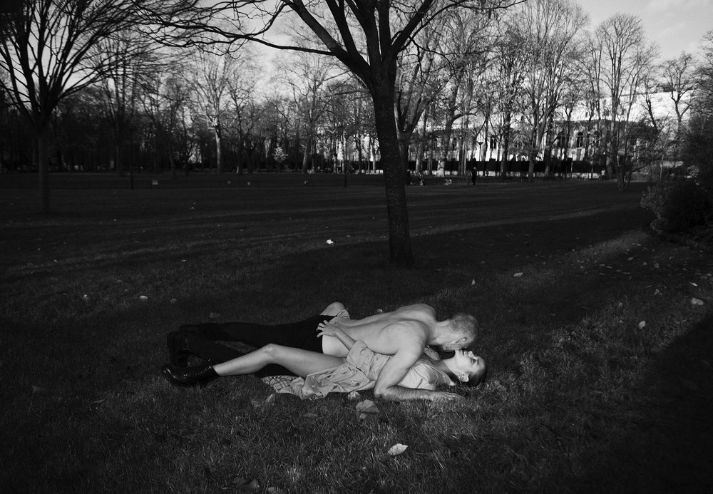 7 Post Magazine - Making Love in Paris
