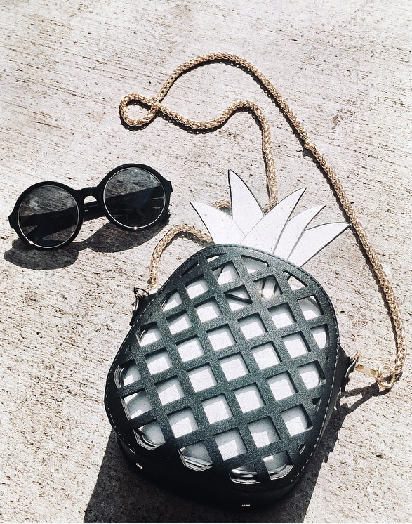 """How cute is this bag?! Saw it online under """"New In"""" on    zara.com    and I immediately fell in love with this bag! Love the black & white contrast and how perfect the shape is. I can easily wear this purse with a casual or dressy outfit/day or night!   ;)     Shop the look below!"""