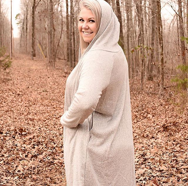 Free drop offs before Hurricane Flo hits us this week ✌🏻((charlotte and surrounding areas only)) Free Shipping for all orders outside of the QC. Snuggle up in our Heather Grey Hoodie ❤️❤️ $42 Small, Medium + Large! Xx