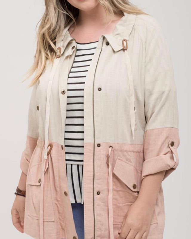 Happy Monday y'all! So we found this adorable jacket in extended sizes only from an amazing vendor (BluPepper!) and wanted to offer Pre order for our curvy girls!! ❤️❤️ sizes:  1x (2)  2x (2)  3x (3) $48 + free shipping! Comment below with size and email or DM us to purchase! Xx