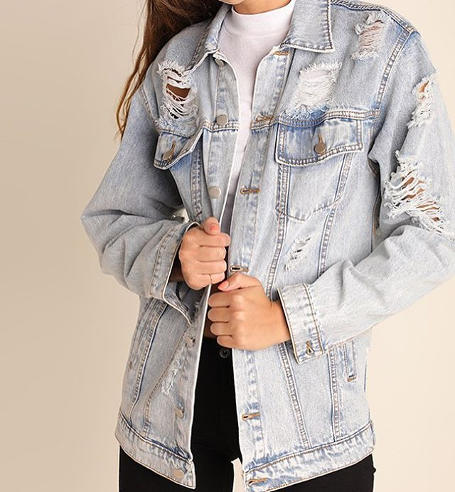 Our Fall Best Seller is Back 😍😍 Acis Washed Distressed Denim Jacket $62 + free shipping! Purchase now or come try on at our events this weekend!! (@7thpublicmarket on Saturday 10-2 + @frontporchsundays on Sunday 11-4!)
