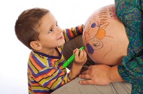 boy-drawing-on-moms-belly-2.jpg