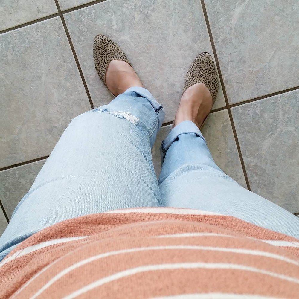Farmers_Market_style_for_today._Stripes___distressed_jeans___leopard_print.__thedailycombo__ootd__stitchfix.jpg