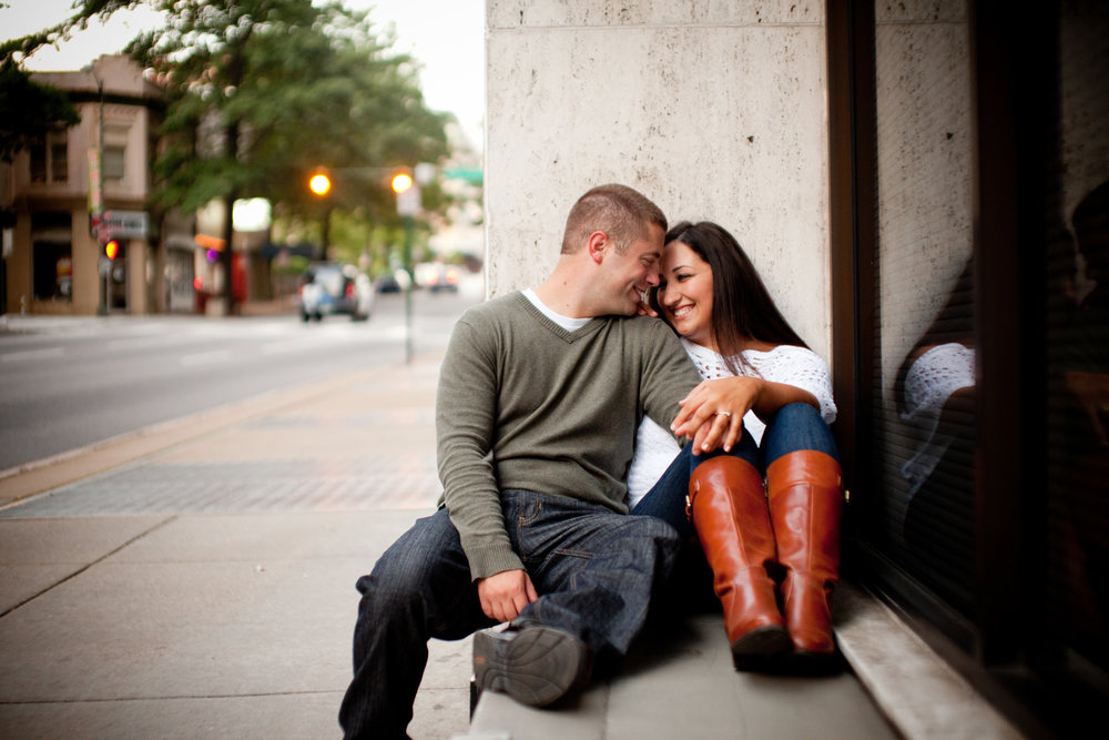 Downtown-Richmond-Virginia-Engagement-Photography.jpg