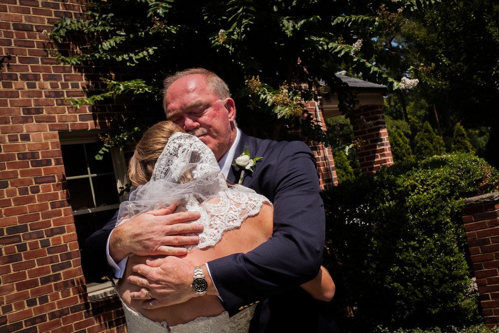Father-First-Look-Daughter-Wedding-Richmond.jpg