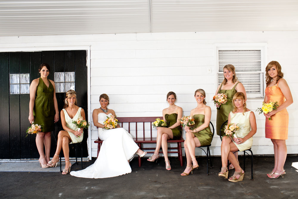 Virginia-Cliffe-Inn-Bridal-Party.jpg