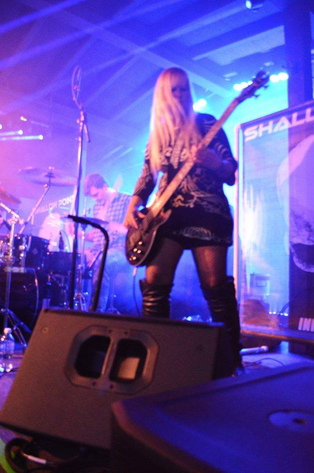 female rock bassist Heather Shallowpoint