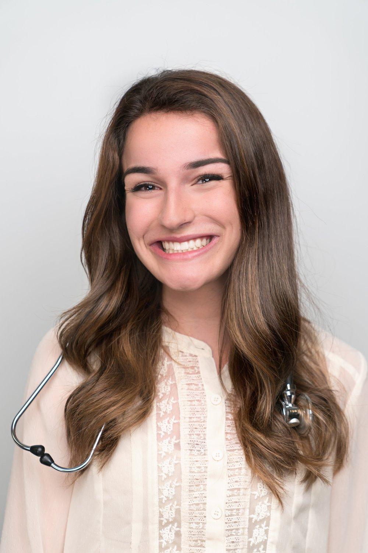 Jasmine Daragahi  Major:  Neurobiology, Physiology, and Behavior   Career Goal: Pediatrician