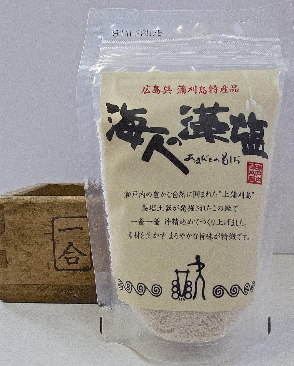 A 100 gram package of Amabito no Moshio.