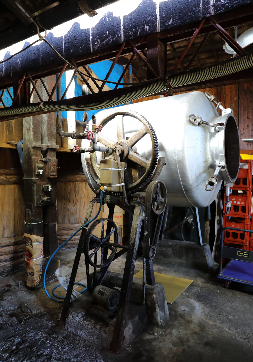 The giant steam kettle used to steam the soybeans.
