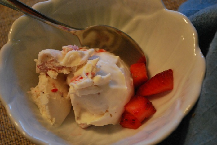 strawberry buttermilk ice cream