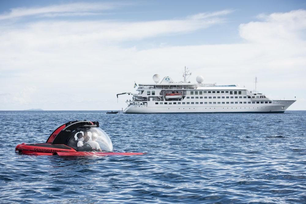 Esprit_YachtSubmarine.jpg