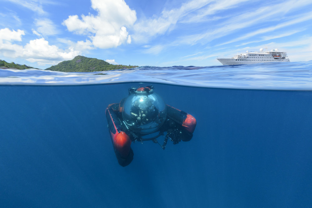 Esprit_with_Submarine.jpg