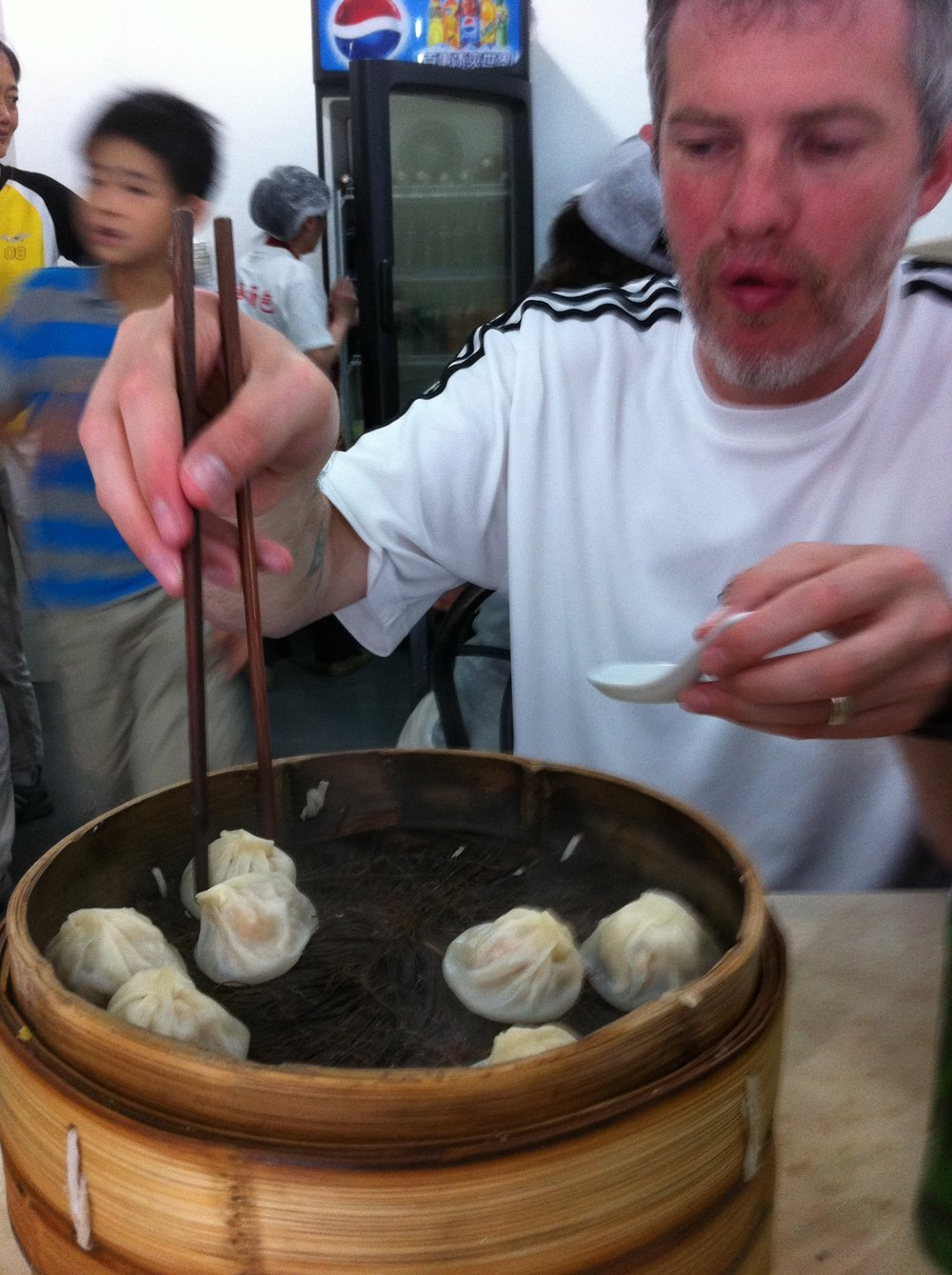 Our search for the best soup dumplings in Shanghai was successful, because of a local recommendation!