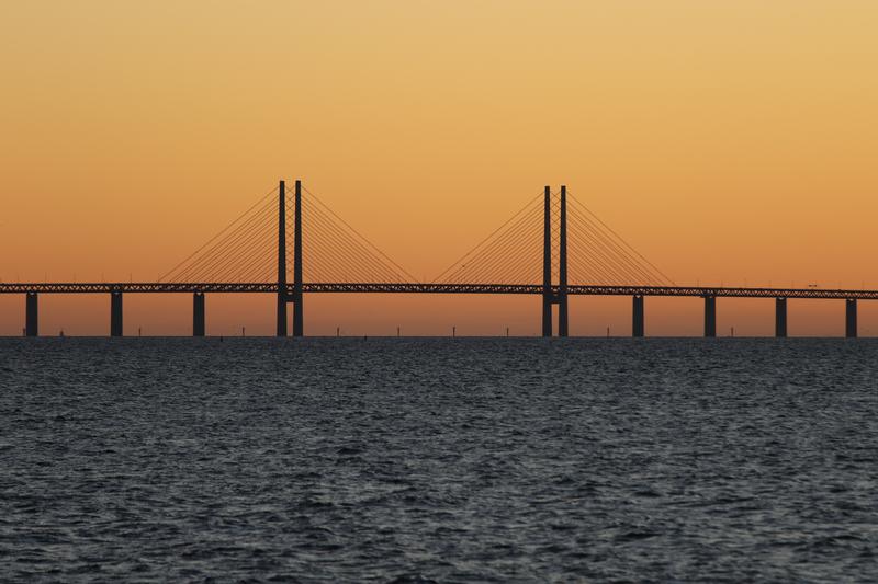 Øresund-Bridge-connecting-malmo-to-denmark_800.jpg