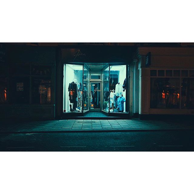 Day 388 . . . . . . . .  #fujiframez #framez #photoaday #photoeveryday #photo365 #365project #x70 #fujix70 #vsco #vscocam #dop #filmmaker #hove #brightonandhove #classicchrome #filmmaker #photography #cinematographer #streetlife #streetphotography #photoeveryday #brighton