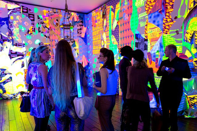 Guests-exploring-artist-Ludovica-Gioscias-room-at-the-launch-of-The-House-of-Peroni.jpg