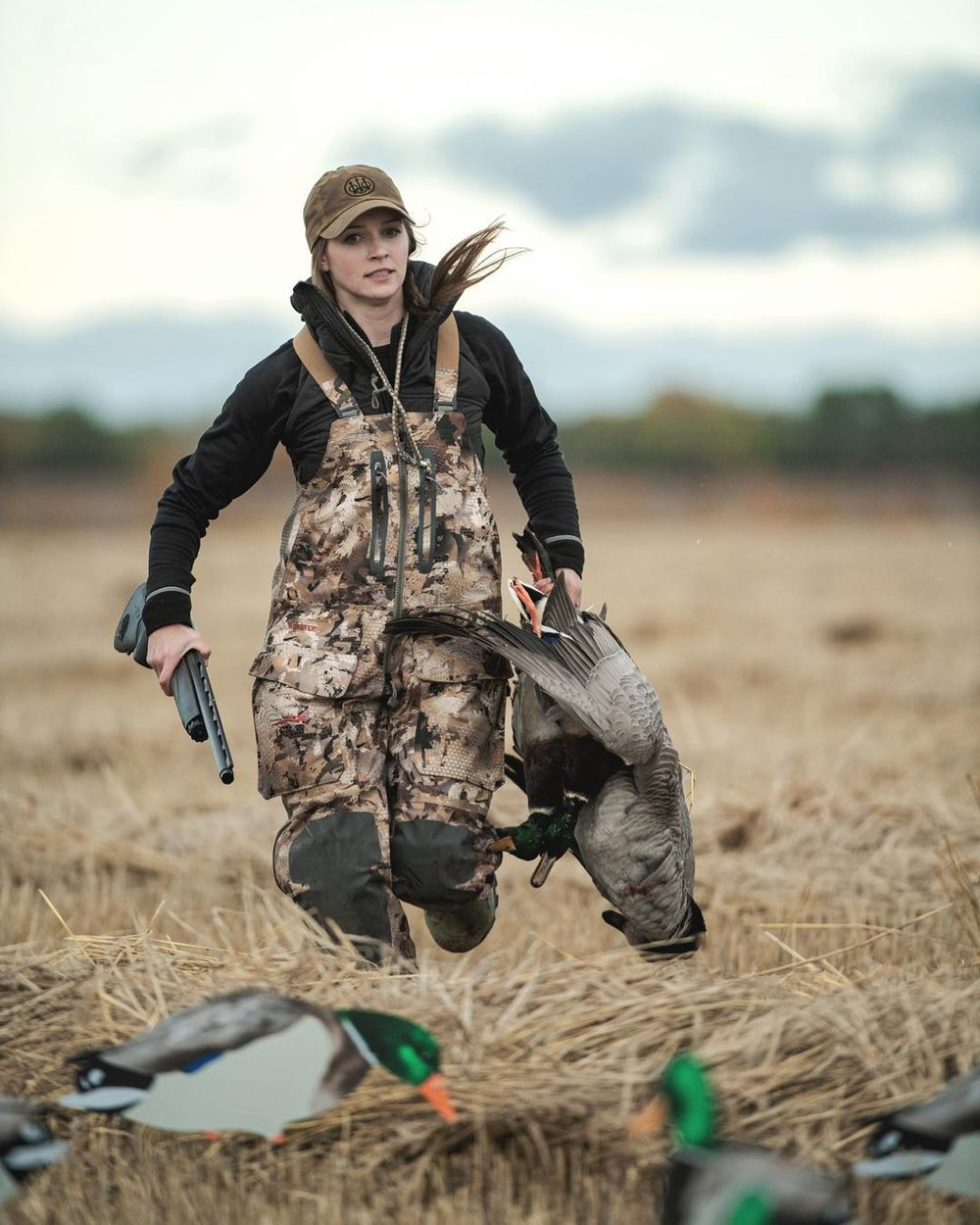 An avid duck hunter since she was a little girl. Cara was first was introduced to duck hunting from her dad who, for a short time, had a duck hunting guide business.