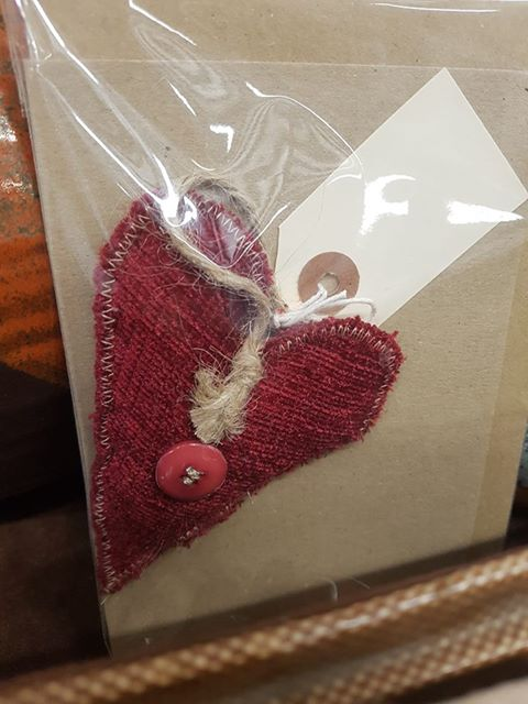 Designate - Heart hanger with Card - £4