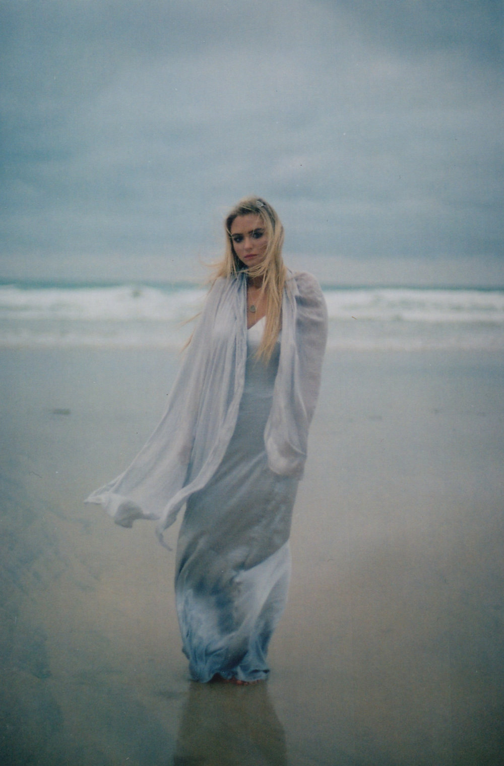 Lucie On The Beach | Bridal Editorial | www.oliviablogs.com
