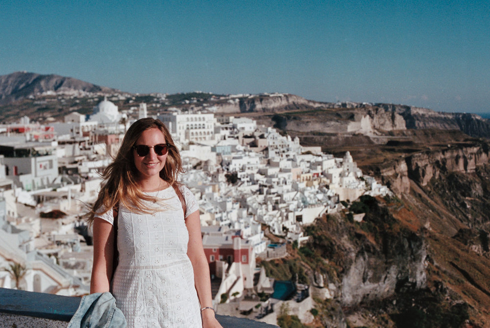 How To Spend 3  Days In Santorini, Greece // CLICK TO READ // www.oliviabossert.com