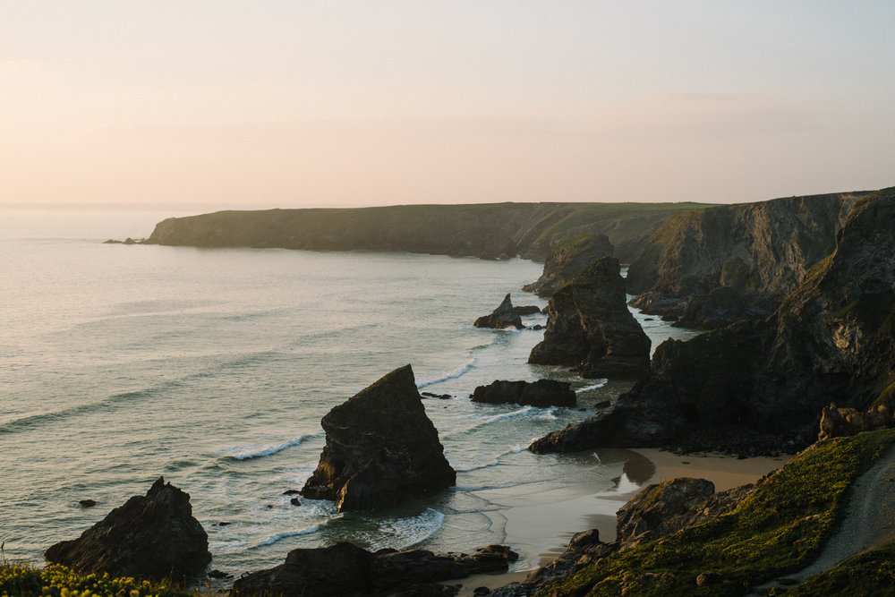 The Best Photoshoot Locations in Cornwall // Bedruthan Steps // www.oliviabossert.com