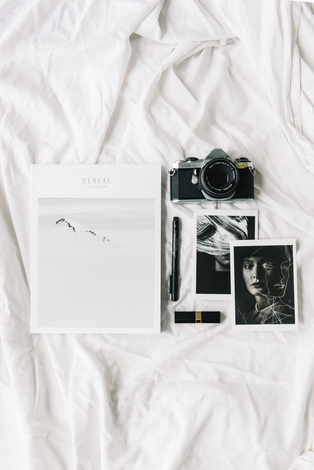 How To Shoot A Flat Lay and Product Image // www.oliviabossert.com // 12 Days Of Christmas Series // flat lay, product photography, small business tips, photography tips, instagram tips, social media tips